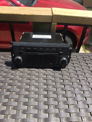 CD player AM FM radio for Dodge or Chryler for Sale in Memphis, TN