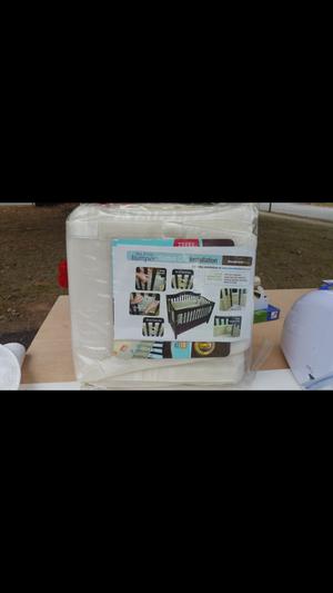 Crib bumper for Sale in Philadelphia, PA