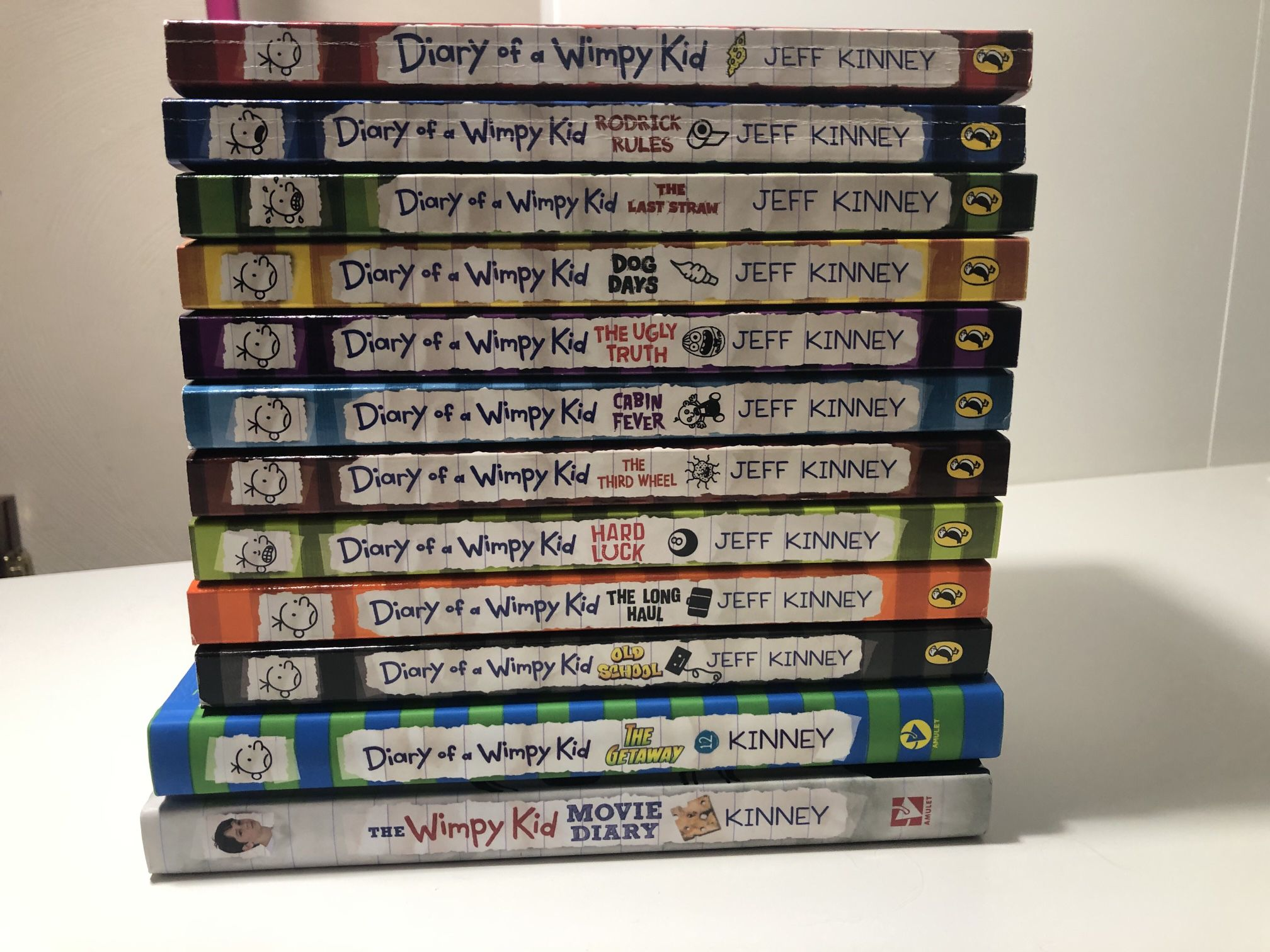 12 Diary Of A Wimpy Kid Books