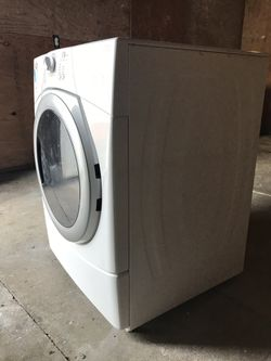Whirlpool dryer electric $150 everything works, lint needs to be cleaned out Thumbnail