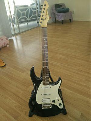 Peavey Raptor black strat guitar for Sale in Winter Springs, FL