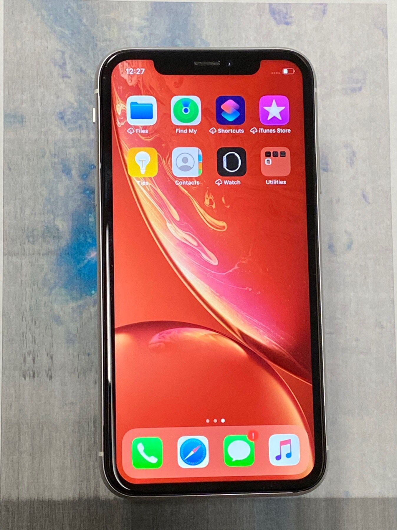 iPhone XR,64gb,factory unlocked,excellent condition
