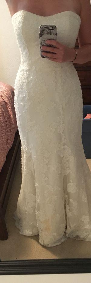 Demetrios Mermaid Wedding Dress Size 10 for Sale in Orlando, FL