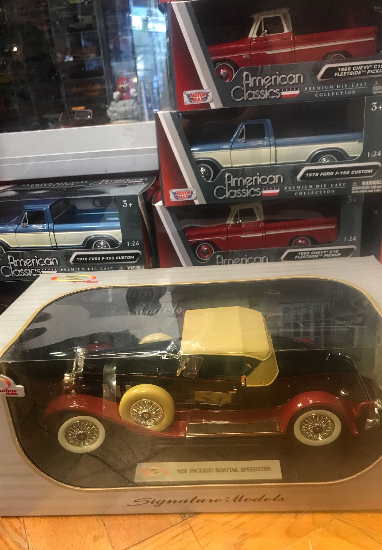 1930 Packard Boattail speedster convertible 1:18 scale diecast collectible