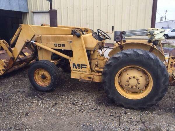 Massey ferguson 30B commercial tractor for Sale in Azle, TX