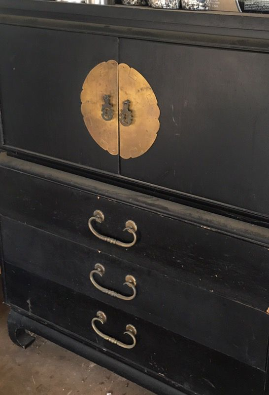 oriental drawers with matching night stand