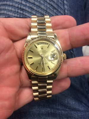 Rolex Presidential Day Date 36mm solid gold Champagne face fluted bezel mint condition for Sale in Orlando, FL
