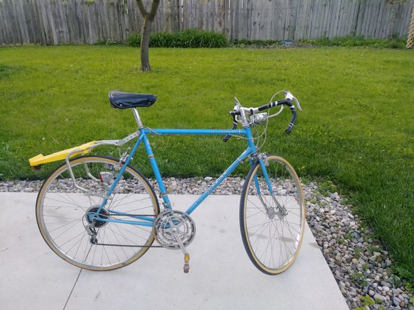 1978 Vintage Schwinn Le Touring ||| Road Bike for Sale in Taylor, MI -  OfferUp