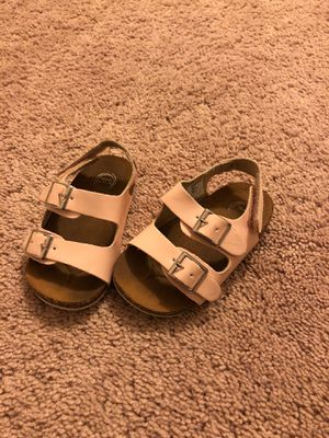 Photo Light pink size 4 toddler sandals