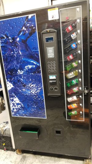 Soda vending machine fully working for Sale in Gaithersburg, MD