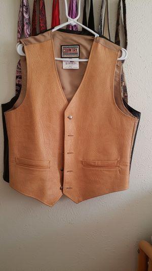 Leather vest . Chaleco de piel. Size M for Sale in Dallas, TX