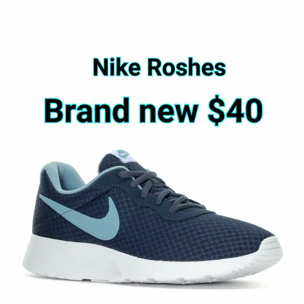 e1db551cff55 Nike Roshes woman size 8 for Sale in Atwater