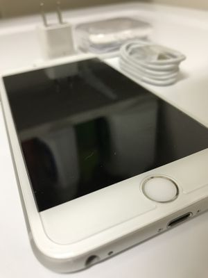 IPhone 6 Plus 64Gb Unlocked LIKE NEW ! Grade A . Free screen protector! for Sale in Kissimmee, FL