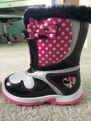 Minnie Mouse snow boots for Sale in Frederick, MD