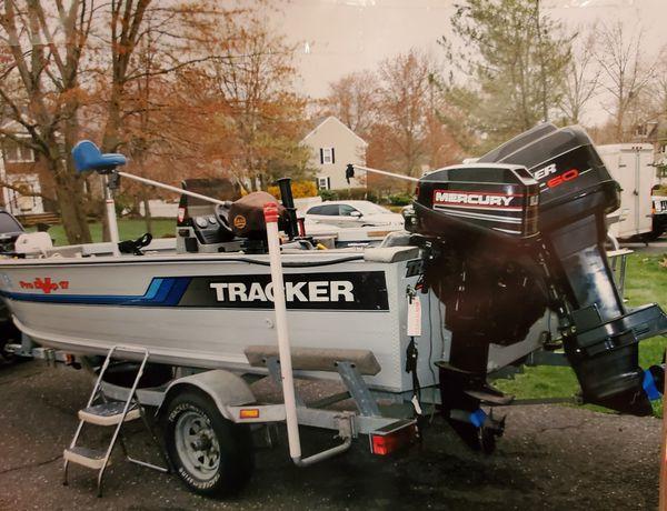 1995 tracker pro deep v17 w/ aluminum trailer