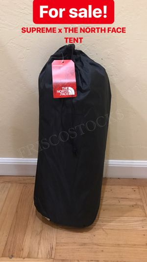 Supreme x The north face TENT for Sale in San Francisco, CA