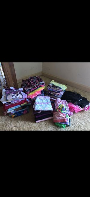 Photo 65 pieces .. girl clothes ! Size 2-5 T