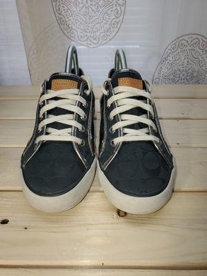 Photo Coach tennis shoes/ Coach Purse