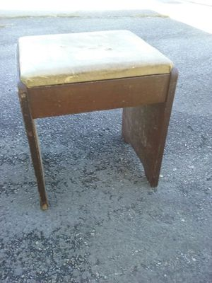 wooden ottoman or stool for Sale in Buffalo Junction, VA