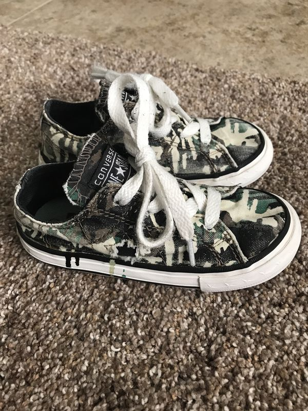9e0ac367a2a6 Toddler distressed camo converse size 8 for Sale in Florence