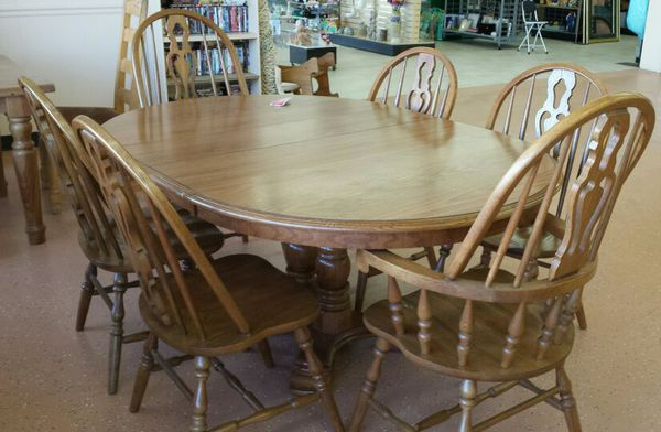 Cochran Oak Pedestal Dining Table Set W/ 6 Chairs For Sale