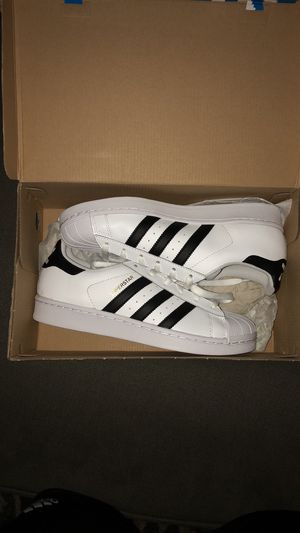 NEW Women's Adidas Superstars (Size 7) for Sale in Apopka, FL