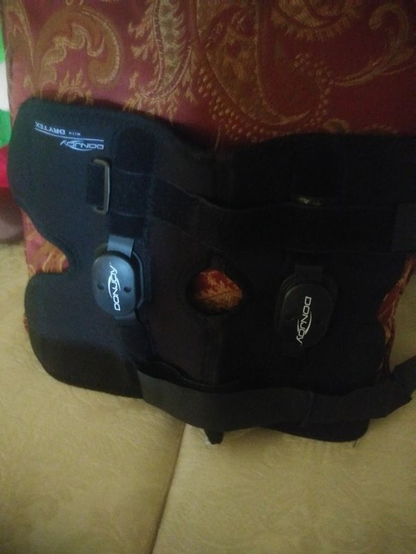 5c6496261d Donjoy knee brace for Sale in Lake Worth, FL - OfferUp