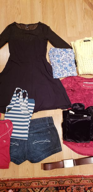 Size 0 Xs Clothing Wardrobe (Van's, Express, Guess, Denim) for Sale in Falls Church, VA