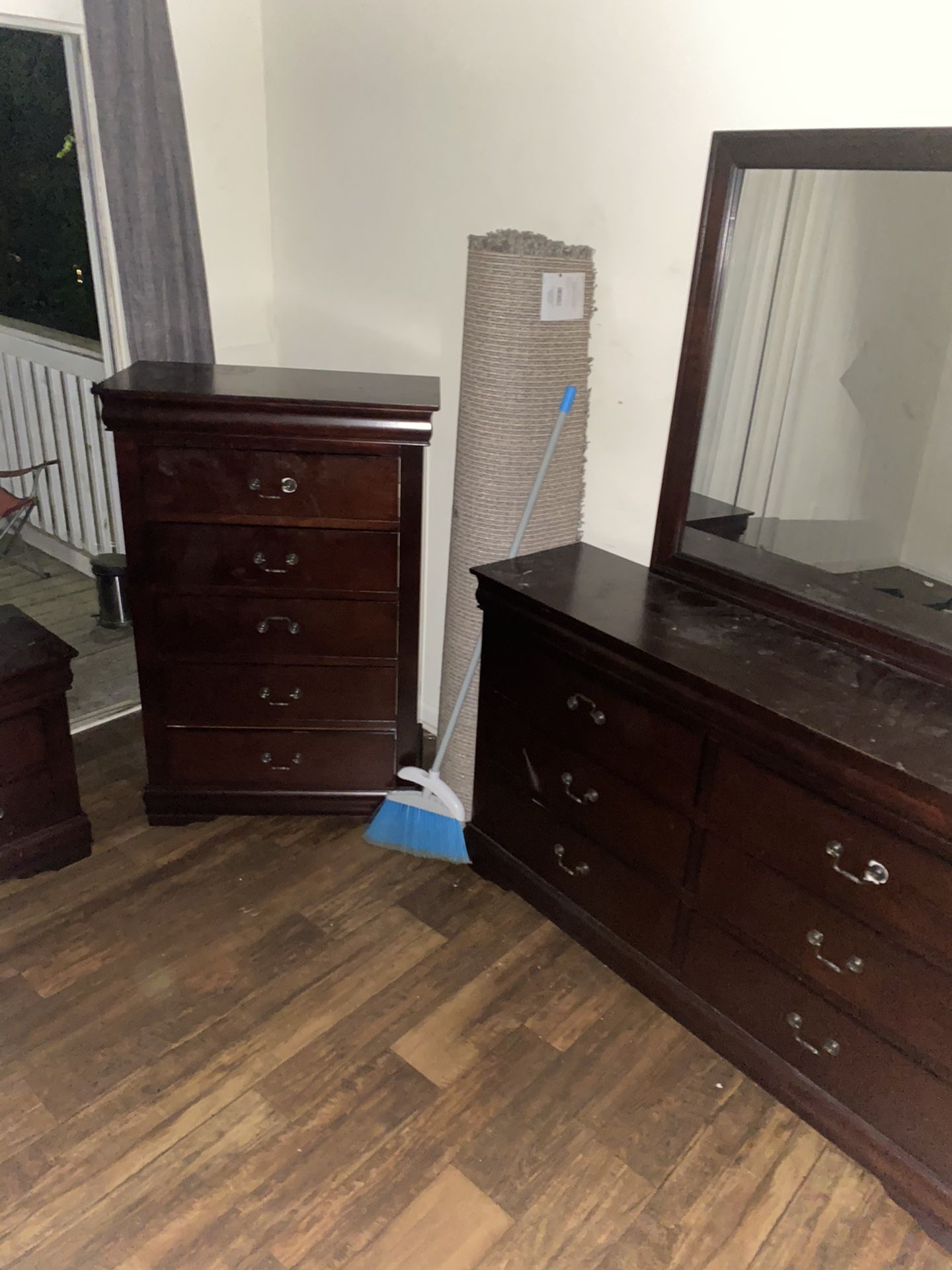 Bedroom set with Rug