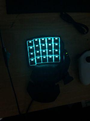 Razer Orbweaver Elite Gamepad and Logitech Gaming Mouse for Sale in Atlanta, GA