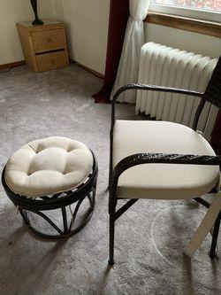 Wicker indoor/outdoor chair & ottoman Thumbnail