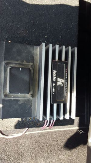 2 10in subs amp and box with all the hook ups for Sale in Dillon, CO