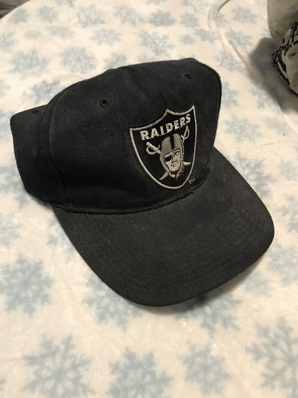 Vintage New Era Raiders Snapback for Sale in San Jose, CA - OfferUp