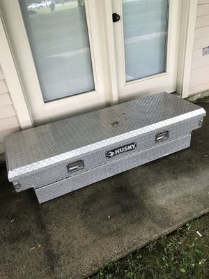 HUSKY TOOL BOX for Sale in Burtonsville, MD