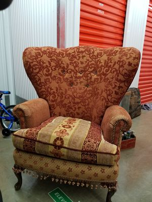 Vintage red velvet sofa and matching side chair for Sale in Gaithersburg, MD