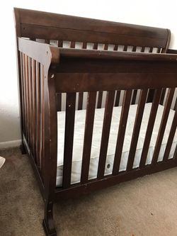 5 In 1 Crib / Toddler Bed Frame With Serta Mattress And Bumpers Thumbnail