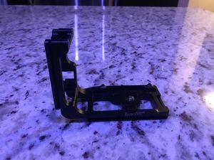 Haoge, L-bracket for Canon 5D Mark III for Sale in Alexandria, VA
