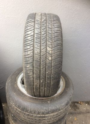 Used tires ( 4) for Sale in Los Angeles, CA