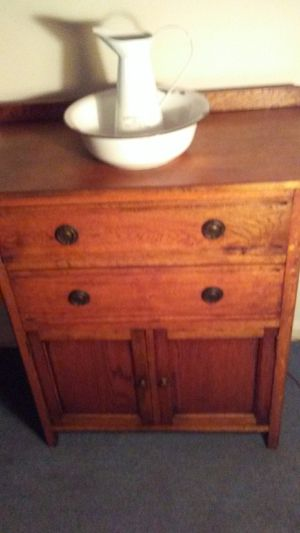 Vintage Beautiful Oak Wash Stand for Sale in Manassas, VA