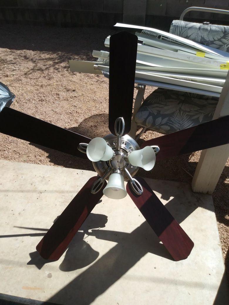 Ceilling fan light
