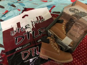 Timberlands brown and black available for Sale in Baltimore, MD