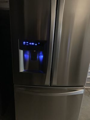 Photo Kenmore stainless steel French door refrigerator