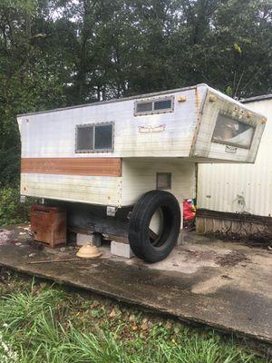 Bed of a truck camper for Sale in Nashville, TN