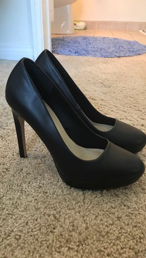 Black heels, size 6 for Sale in Los Angeles, CA