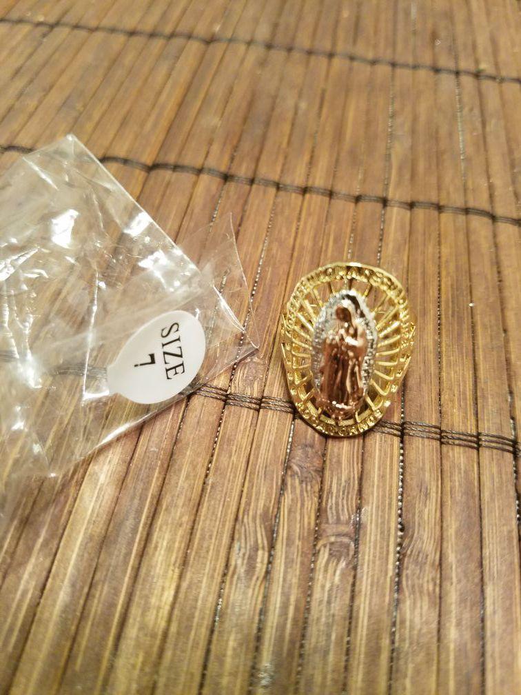 Anillo de la virgen de guadalupe oro laminado