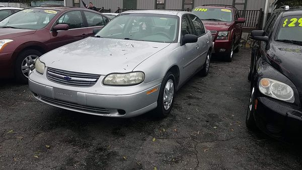 04 Chevy Malibu $2500 for Sale in Greenville, SC - OfferUp