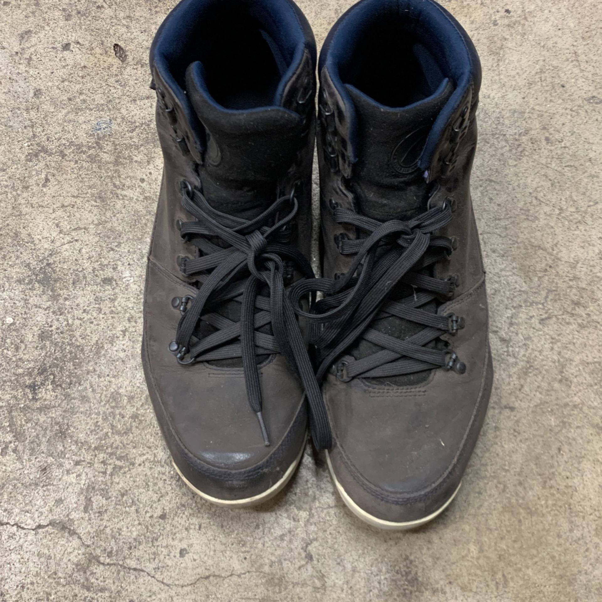 Mens Size 13 North Face Winter Boots
