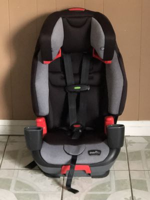 Photo PRACTICALLY NEW EVENFLO ROLLOVER TESTED 3 in 1 CONVERTIBLE CAR SEAT