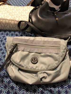 lululemon crossbody purse for Sale in Saugus 26eb023421417
