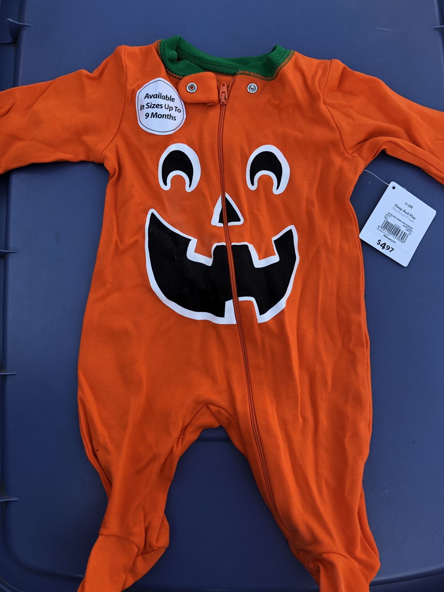 Baby pumpkin body suit